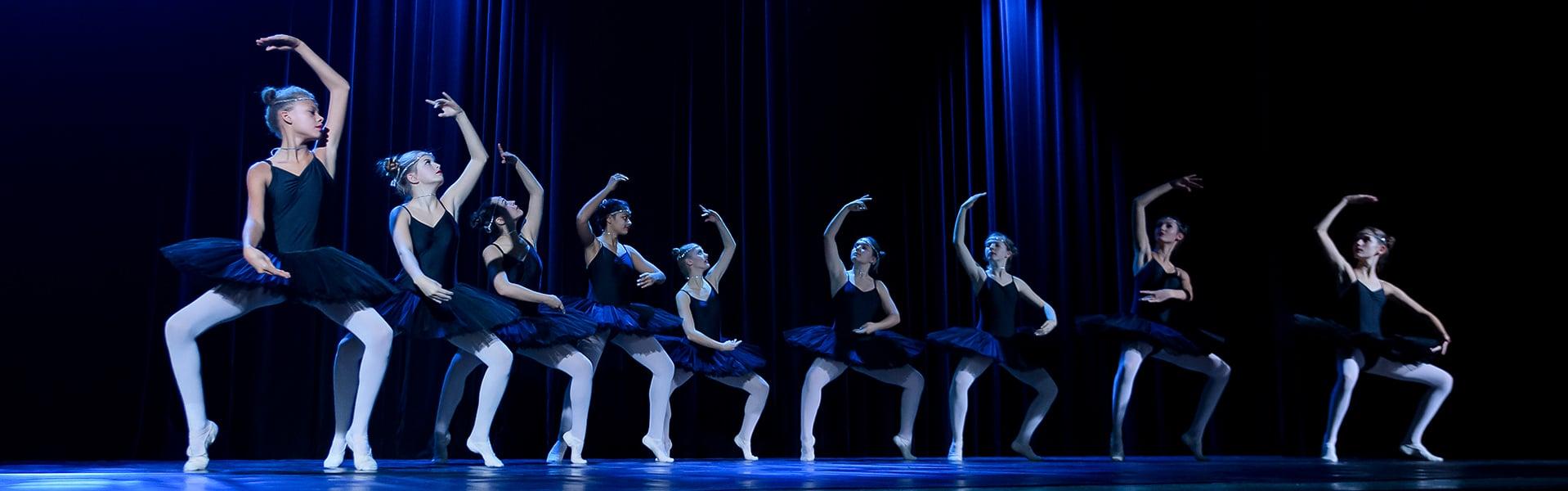Ballett und Modern Dance Formationen ausFreiburg